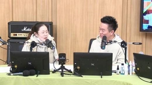 朴涩琪坦白自己是防弹少年团朴智旻的粉丝 对着智旻的脸进行胎教