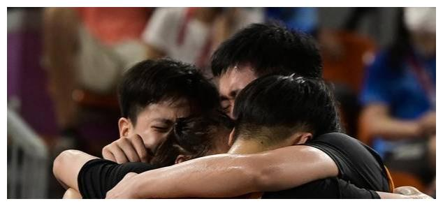 女子三人篮球创记录拿下铜牌,中国姑娘好样的,篮协有什么看法?