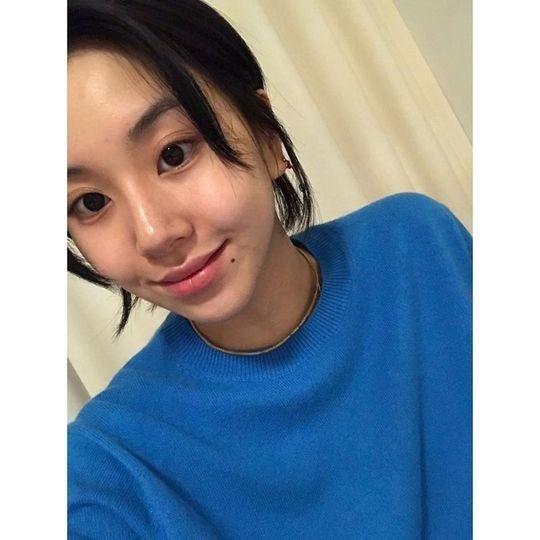 TWICE孙彩瑛公开美丽的自拍 在SNS上向粉丝们留言大家加油