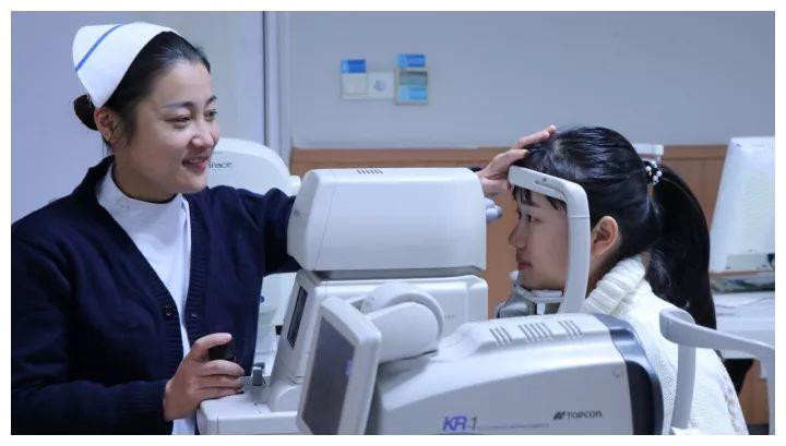 近视手术可以当日查当日做吗?