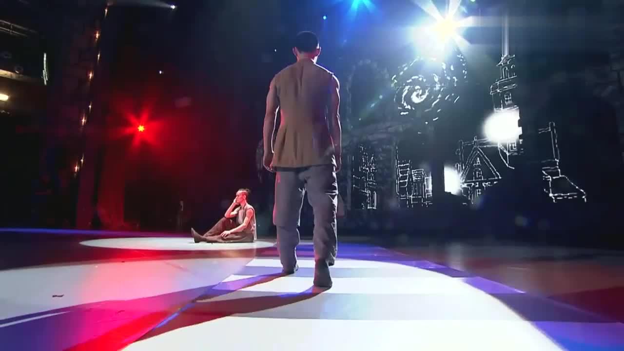 中国好舞蹈:海清团队学员,表演双人舞友谊,引梦想导师站立鼓掌