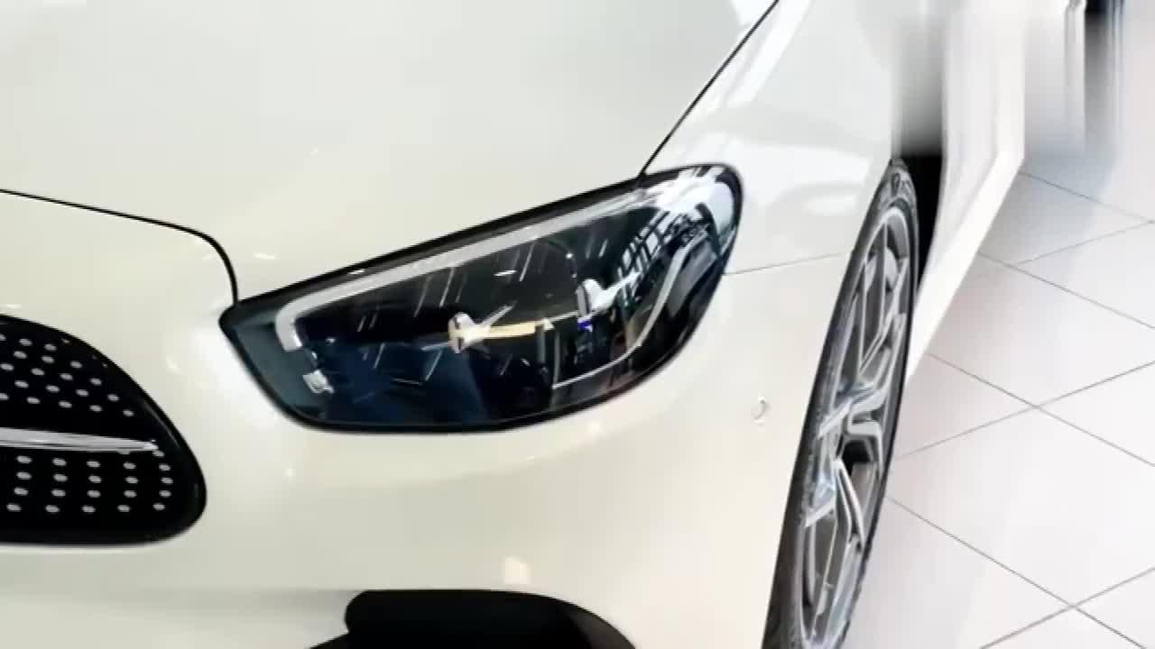 视频:2021款奔驰E300敞篷版到店,这颜值太帅了!