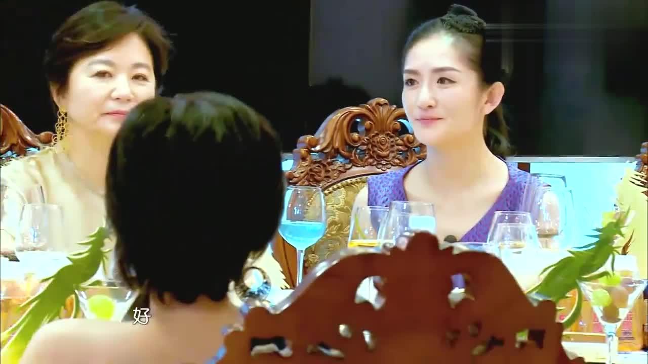 谢娜问朱茵和黄贯中性格不同,为啥选择在一起,网友:星爷在流泪
