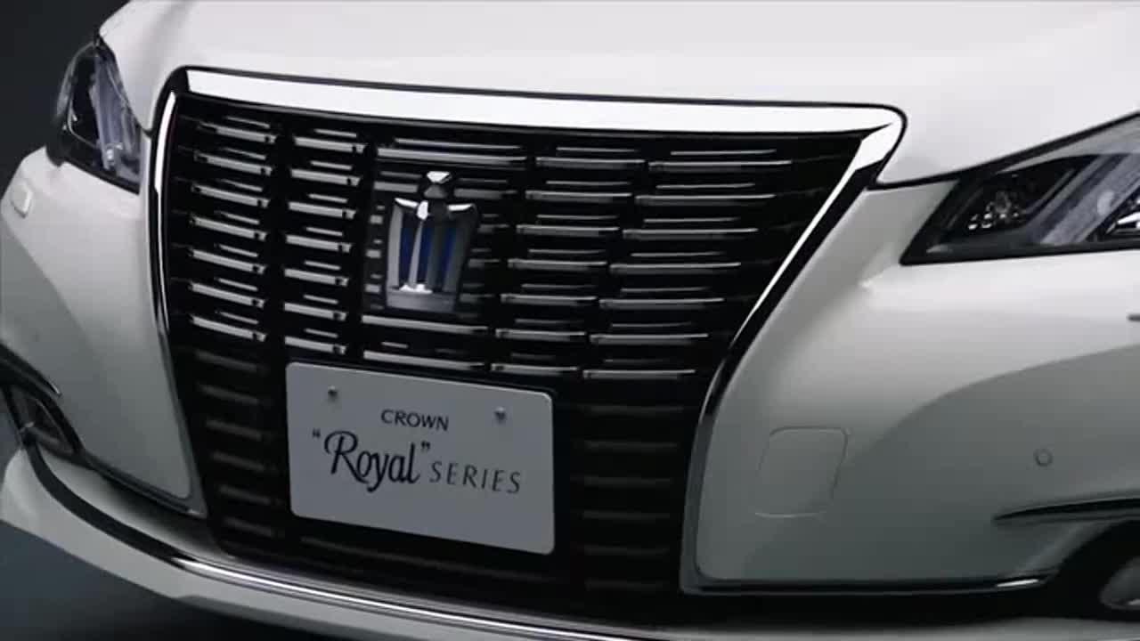 视频:丰田皇冠涡轮增压动力强后排舒适度媲美奔驰