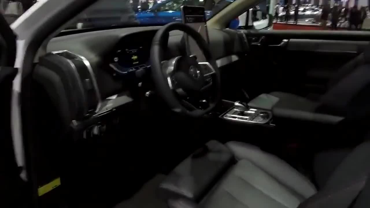 视频:2019款比亚迪唐DM隆重登场,打开车门后我的钱蠢蠢欲动