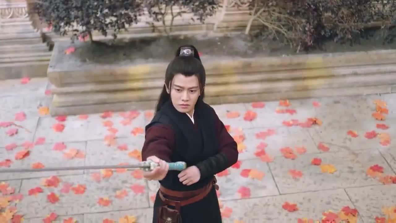 容婳叫林敬把剑还给她!小敬子又惹媳妇生气了