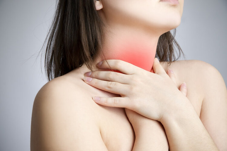 别把食道癌当成咽炎!医生提示:喉咙有这些感觉,别放过