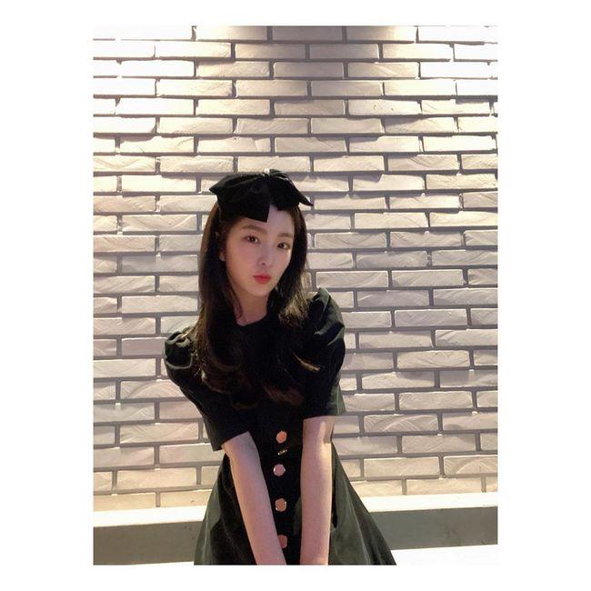 Red Velvet裴珠泫以完美无瑕的美貌展示顶级视觉效果