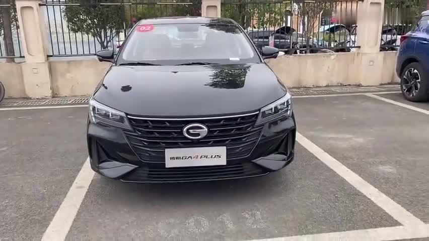 视频:实拍传祺GA4PLUS外观,黑色车漆十分炫酷