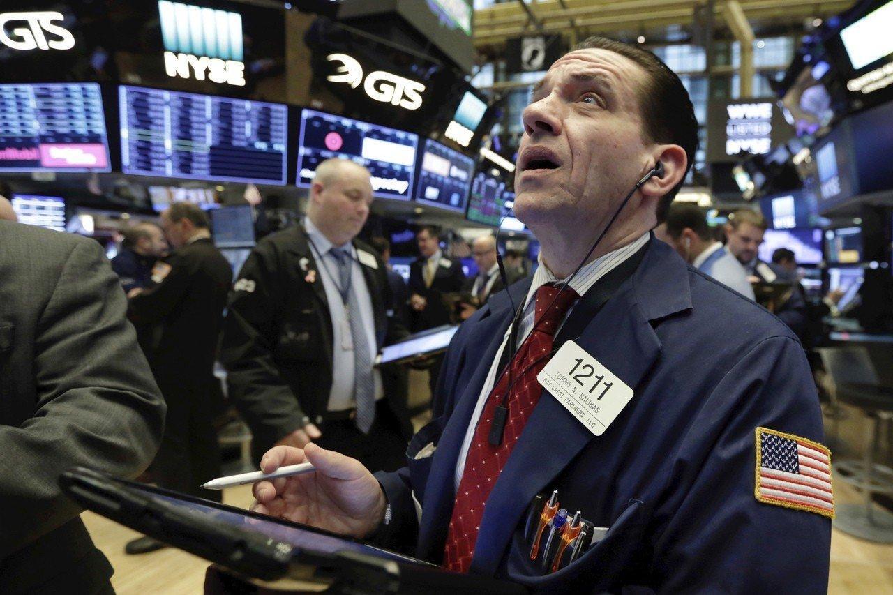 美元被全球央行减持,人民币占比抬头,美元霸权走上末路
