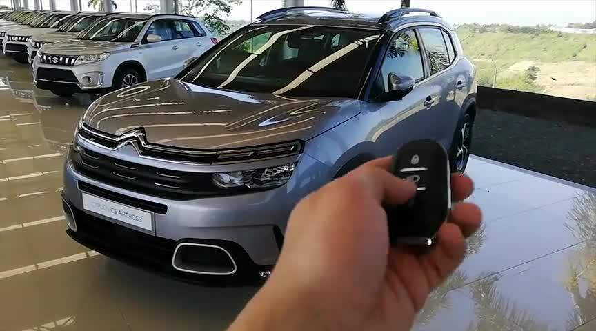 视频:2020款雪铁龙C5Aircross,按下钥匙坐进车内,我忘记了本田CR-V