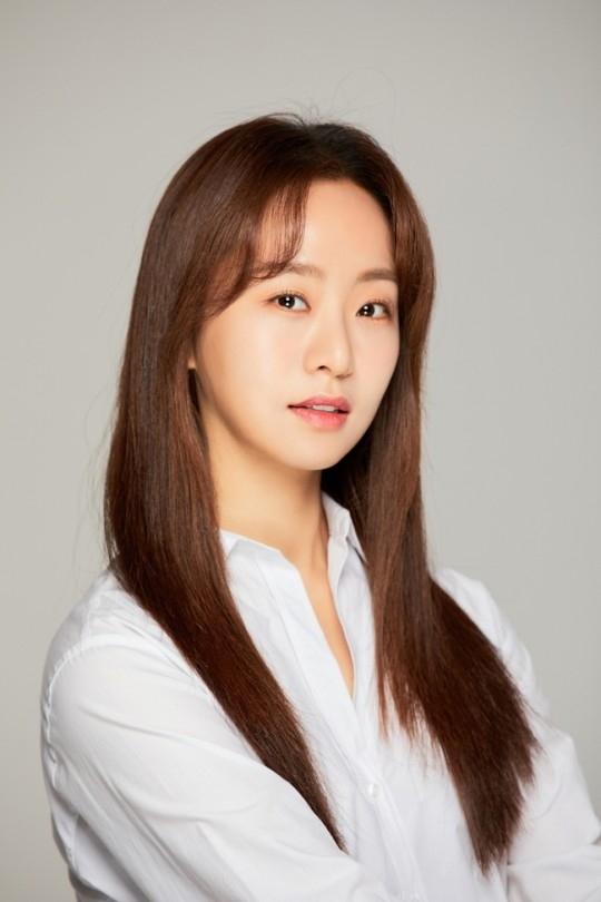 卢秀珊娜出演电影《坐推土机的少女》 将与金惠允共演