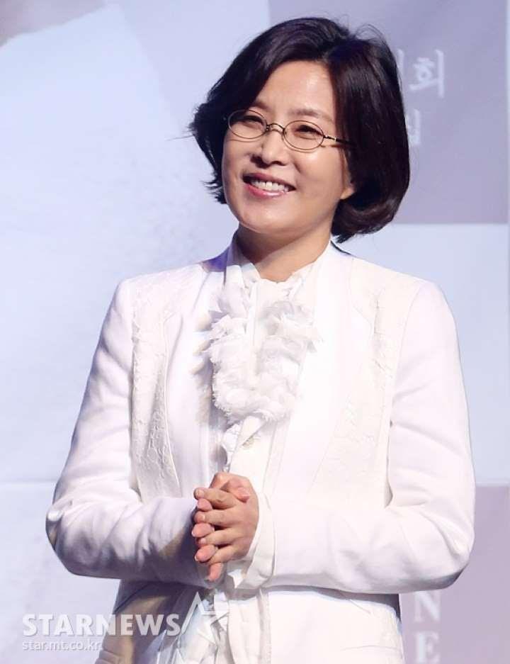 EXO的朴灿烈被确认为第一个与传奇歌手李仙姬合作的偶像