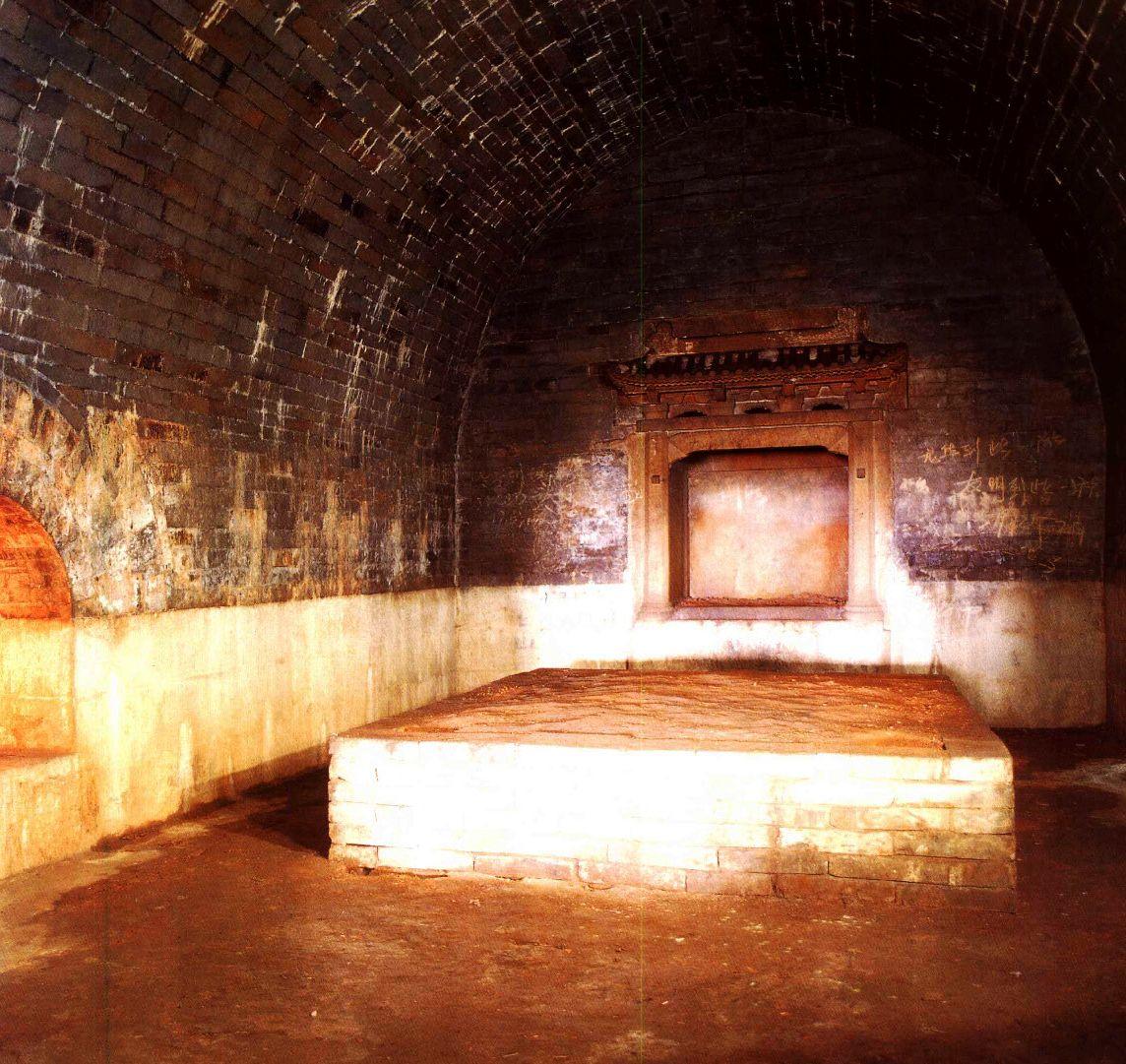 中国建筑艺术,神秘的陵墓文化,宁献王坟地宫和靖江王坟