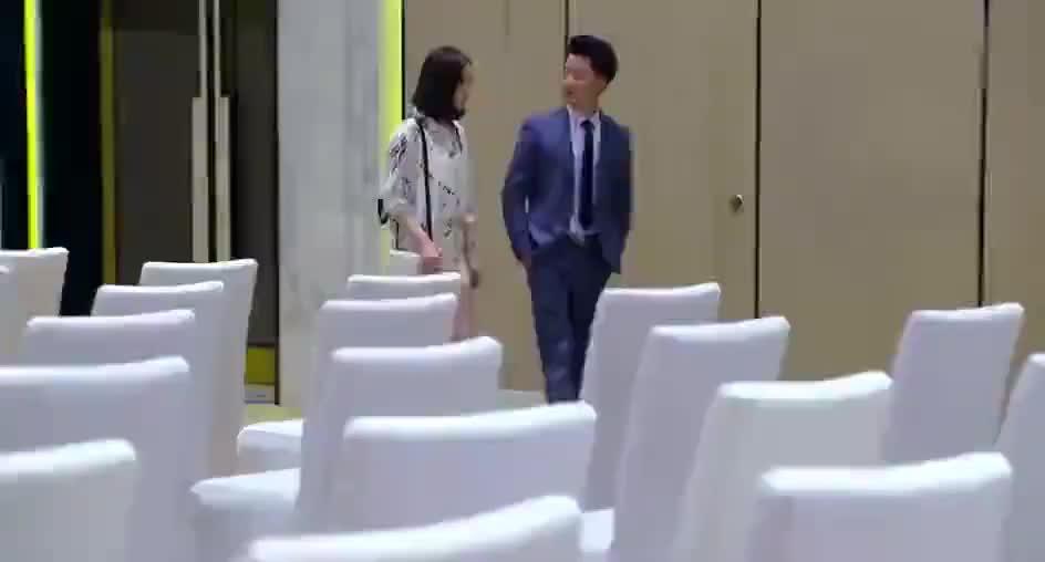 影视:家阳帮乔菲克服心理障碍,俩人同传间甜蜜相处