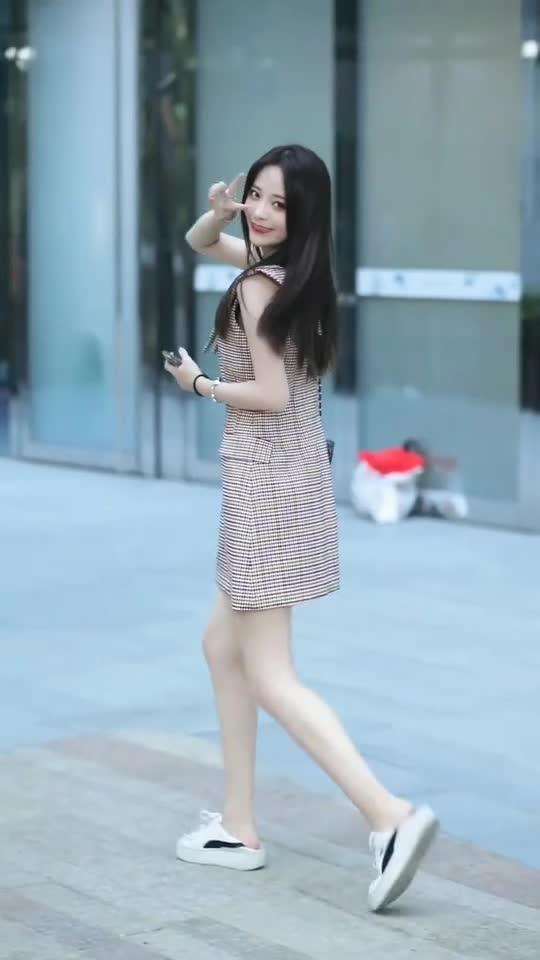 清纯可爱的小姐姐