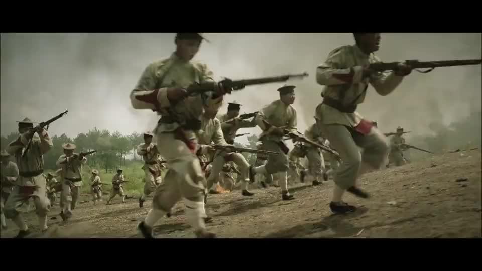 法军太赖皮了,仗着武器先进肆意火力压制,打不过就用大炮轰
