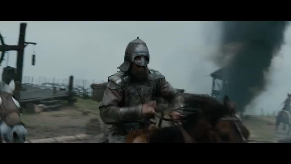 大王子属下反攻弗拉基米尔,斯温内尔德却用王子妃威胁,逼退敌军