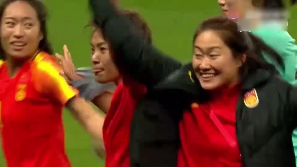 绝境看王霜!2战轰3球击垮韩国队,女足巨星痛哭,贾秀全真该谢她