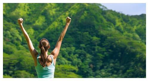 一套完整女生手臂锻炼计划,帮你紧致肌肉,塑形纤细胳膊