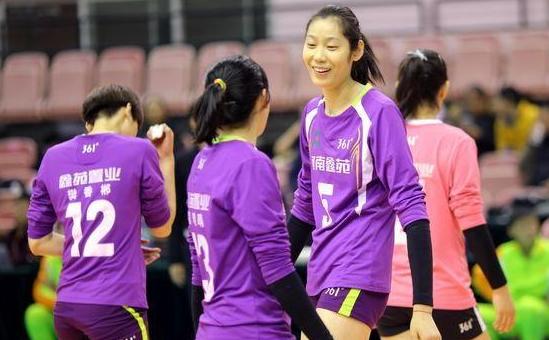 世界大赛里没有李盈莹的国家队,就是中国排超里有朱婷的河南队?
