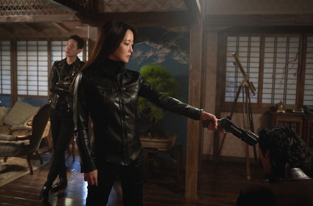金喜善描述韩剧《爱丽丝》的看点以及剧情介绍