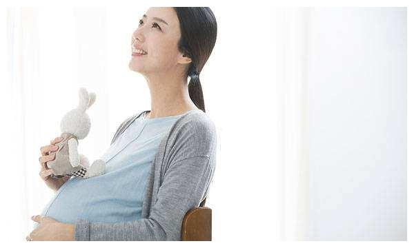 怀孕后,孕妇在3个时间多喝水,能提高羊水质量,有利孩子发育