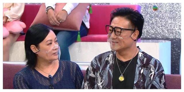64岁TVB前男星与女友上TVB节目,辟谣传闻:有人还以为我是Gay