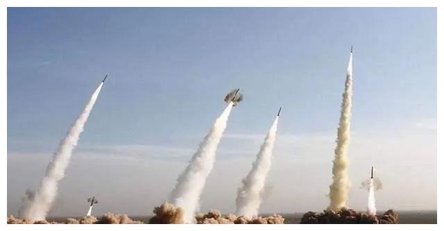 火箭为什么要站着发射、倾斜着飞行?
