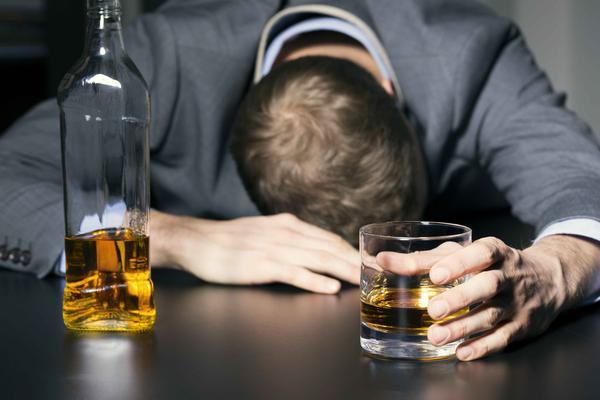诱发高尿酸的诱因,除了喝酒,还有这几点,希望你尽快避开
