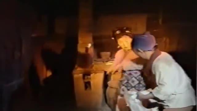 聊斋:贪心夫妻偷邻家的鸭子吃,不料浑身长出了鸭毛,真是报应