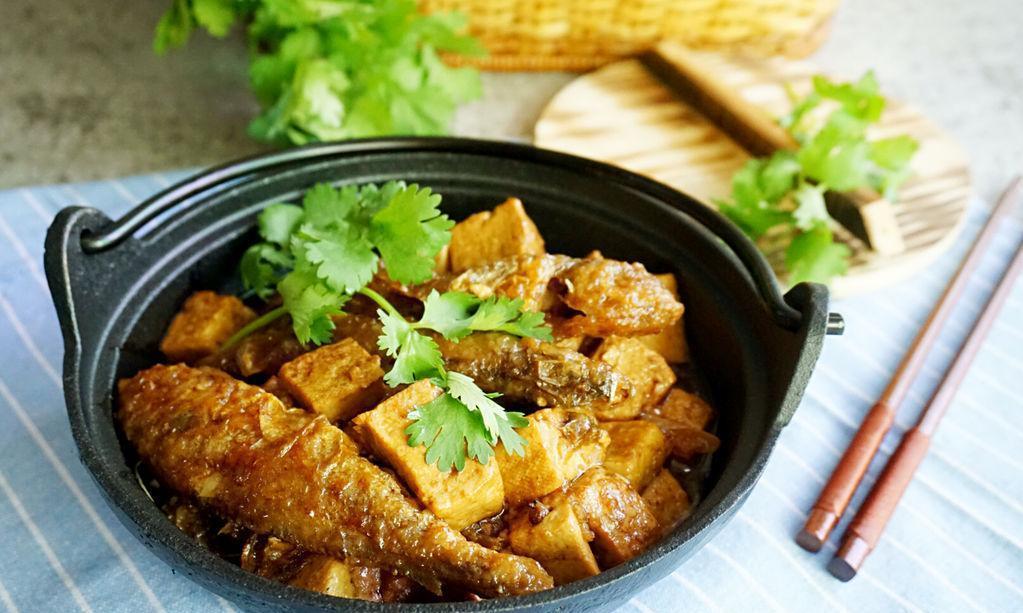 小黄鱼炖豆腐,味道不比大黄鱼差,做起来更方便