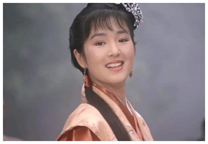 """她才是""""秋香""""原定演员,由于片酬拒演,才成就了巩俐!"""