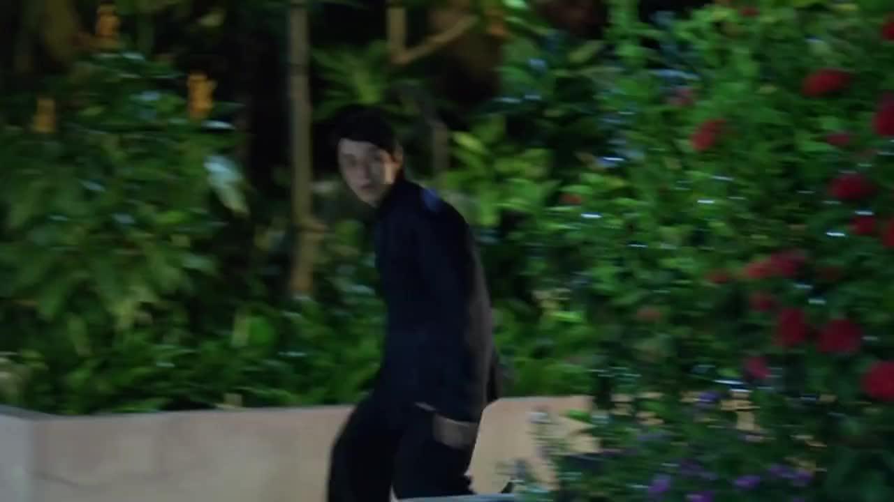 星爷的精彩打斗戏,致敬李小龙,狠起来连卢惠光都不是对手!