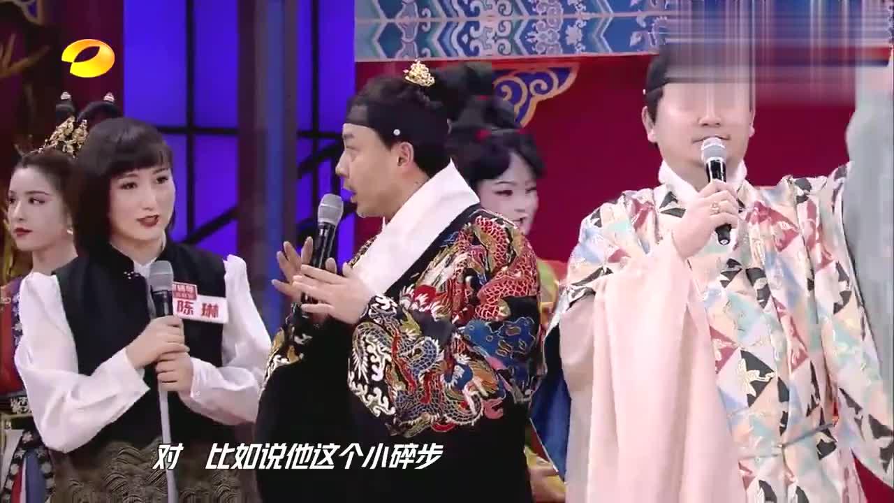 天天:新疆女神哈妮克孜学习《唐工夜宴》,姿势有模有样太美了!