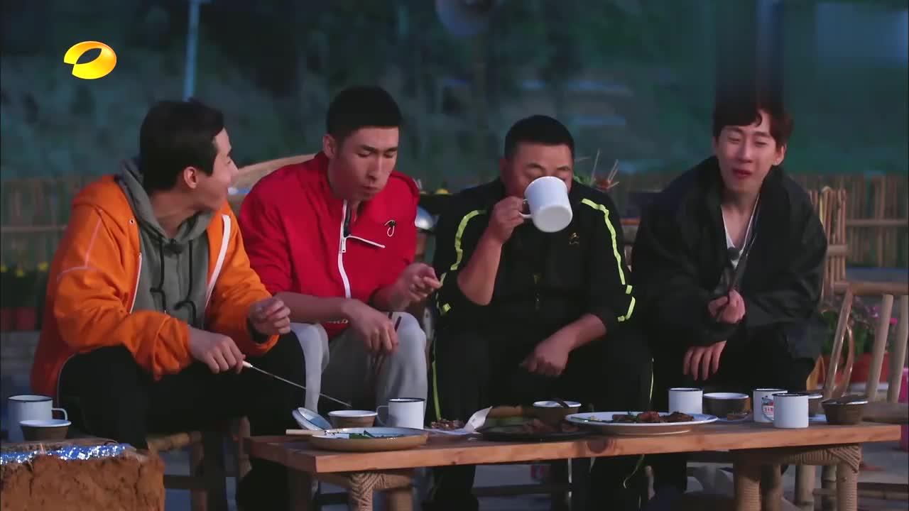 向往:武大靖曝韩天宇喜讯,何炅彭昱畅被惊呆,蘑菇屋齐送祝福!