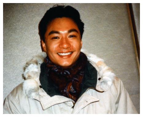 """曾是""""香港第一美男子"""",刘嘉玲也和他交往过,结局却妻离子散?"""