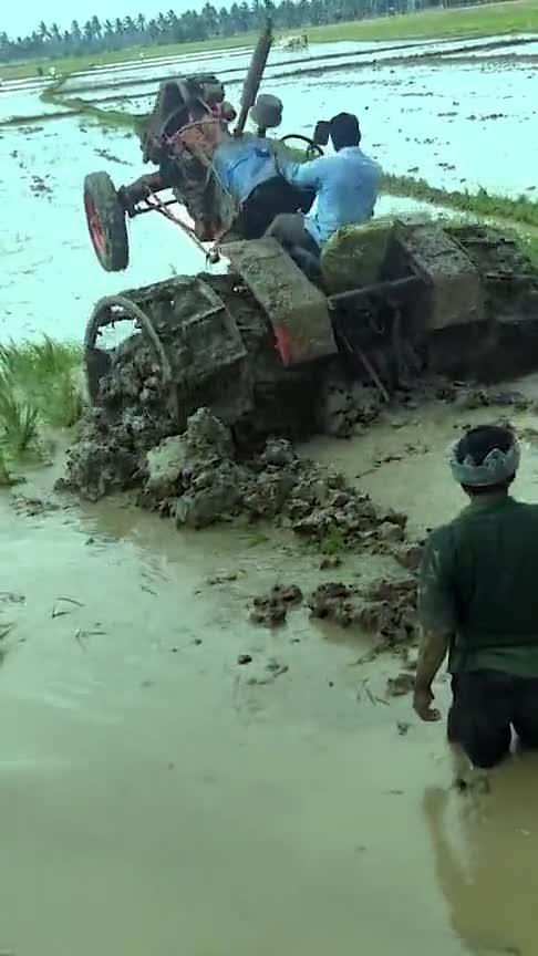 印度硬核改装拖拉机,专为泥地设计,这成本不低吧