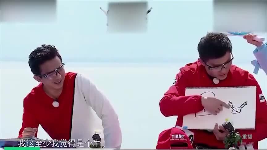 奔跑吧:蔡卓妍也太好骗了,邓超说啥信啥,被卖了还帮着数钱