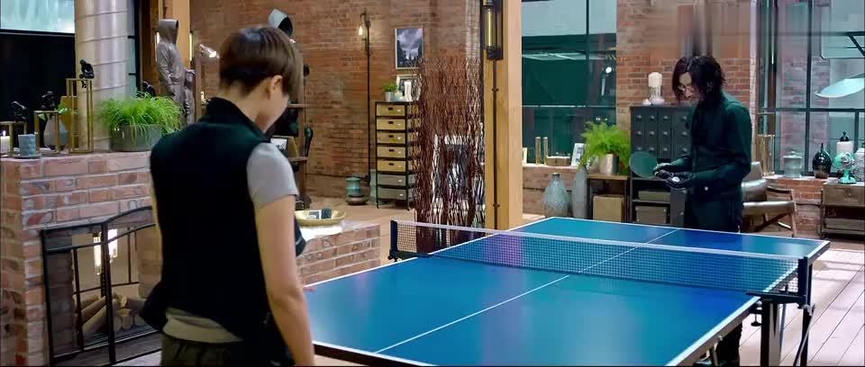 澳门风云3:易天行乒乓球打得这么好,不进国家队可惜了!