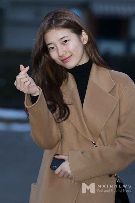 韩国记者评选的五大最美丽漂亮的美女偶像