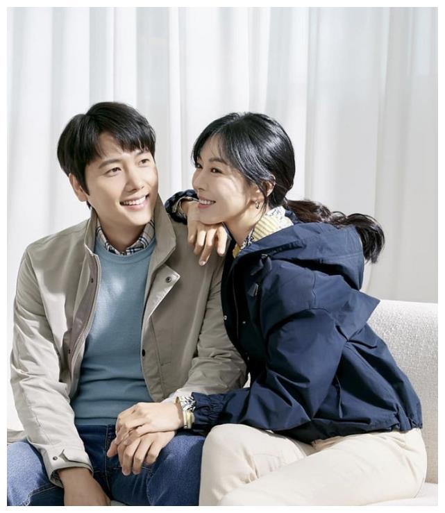 金素妍夫妻合影甜蜜溢出屏,《顶楼2》仨老公同框,场面难以形容