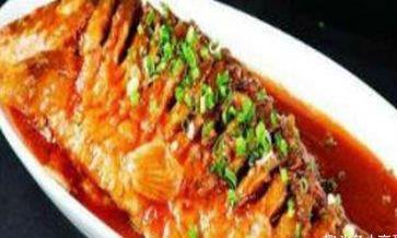 美食精选:蒜椒红烧鲤鱼,干煎带鱼,彩椒牛肉炒蘑菇,干锅花菜
