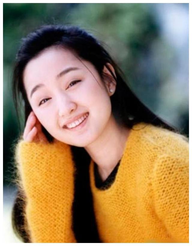 杨钰莹已经50岁了,错过了最佳生育年龄,至今忘不了初恋情人