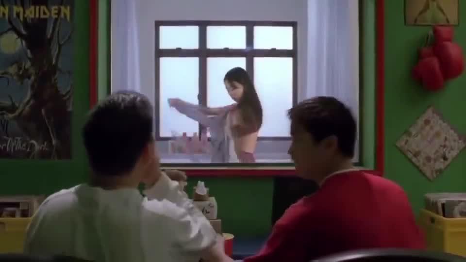 租房的妹子要小心了,这样的镜子太可怕了!