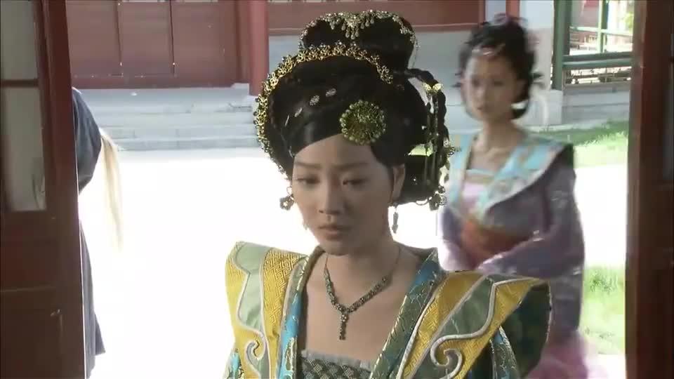 八位绝色宫女失踪,皇上也没来上早朝,妃子瞬间明白