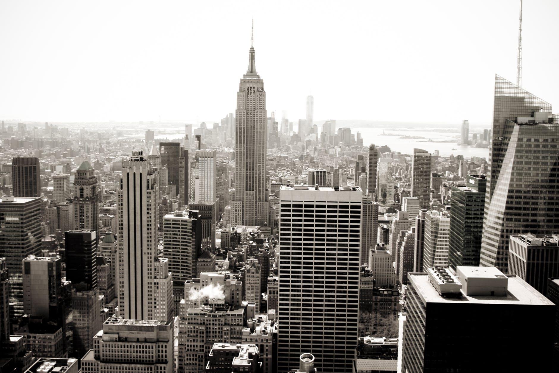 《【杏耀总代理】全国8月二手房涨幅回落,二手房市场的未来到底该怎么看?》