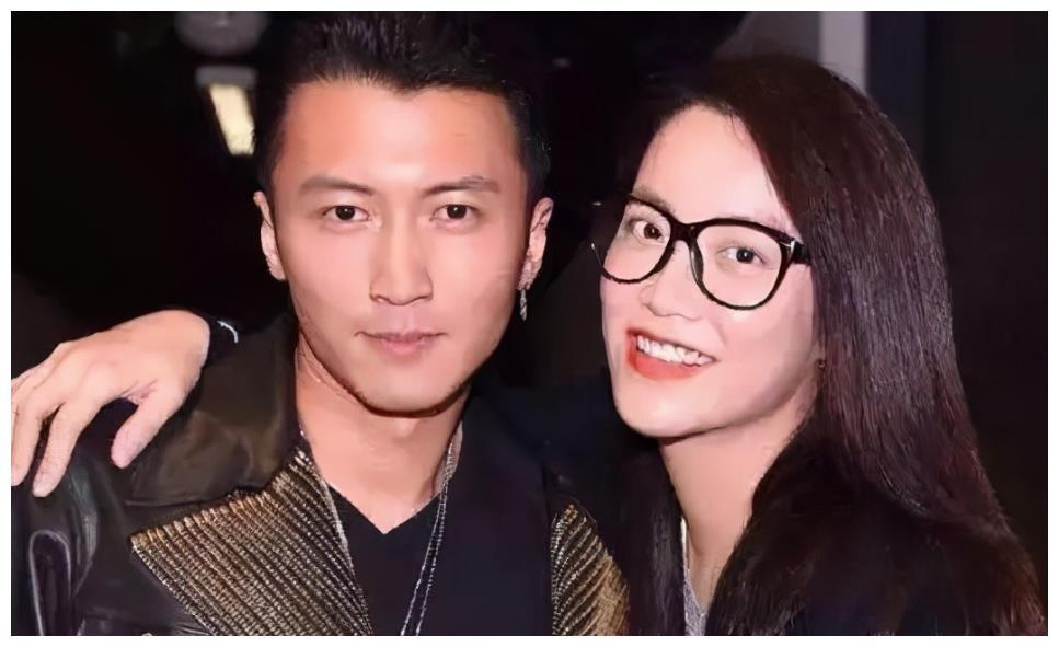 王牌经纪人霍汶希谈陈伟霆,称其太普通,爆红是意外之喜