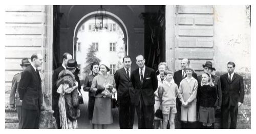 菲利普亲王的4个亲姐姐,被父亲打包远嫁<a href=