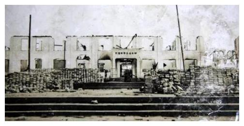 1951年,湖南一所医院发生离奇火灾:损失159亿元,22人被判死刑